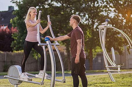 Outdoor-Fitnessgeraete-Stepper-aus-Edelstahl-Art-Outside